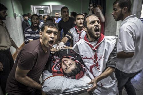 Kinh hoàng cảnh nã bom vào trường học, xác trẻ em nằm la liệt 6