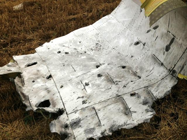 Mảnh tên lửa tìm được chỉ đích danh thủ phạm bắn rơi MH17 7