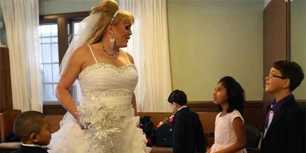 Chùm ảnh cưới của người phụ nữ chuyển giới gây xúc động 23