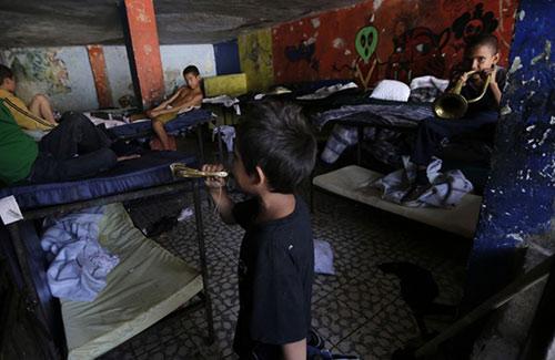 Chuyện động trời ở trại trẻ mồ côi: 500 trẻ bị lạm dụng, cưỡng bức 7
