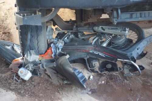 Bình Dương: Tai nạn xe tải, 1 người thương vong 5