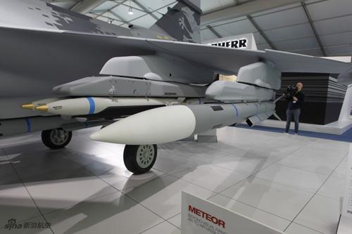 Việt Nam sẽ mua hàng loạt máy bay Gripen để thay Mig-21? 13