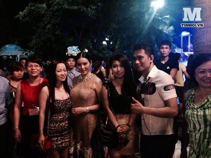 Lý Nhã Kỳ xuất hiện tại tiệc bikini ở Hà Nội 9