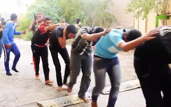 Thế giới chấn động trước cảnh hành quyết tù nhân man rợ của Nhà nước Hồi giáo Syria 7