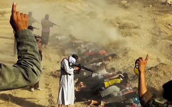 Thế giới chấn động trước cảnh hành quyết tù nhân man rợ của Nhà nước Hồi giáo Syria 9