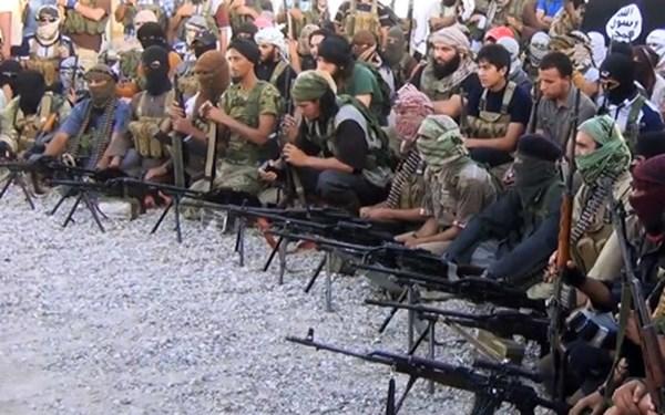 Thế giới chấn động trước cảnh hành quyết tù nhân man rợ của Nhà nước Hồi giáo Syria 5