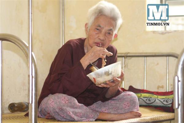 Đến nơi người già sống qua ngày với bát cơm 5 nghìn đồng 5