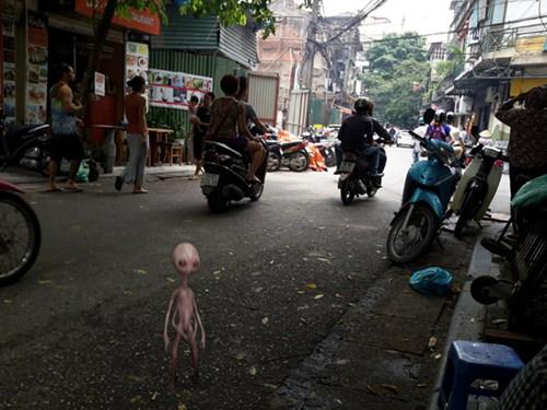"""""""Người ngoài hành tinh đến Hà Nội"""" - Trò hề rẻ tiền 6"""
