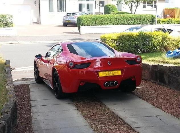 Hình ảnh Ferrari F458 Italia nhái như xe xịn số 2