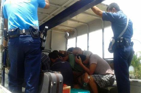 Những ngư dân Trung Quốc bị Philippines bắt...
