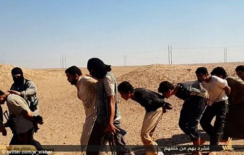Khủng bố Nhà nước Hồi giáo lại tung ảnh thảm sát người hàng loạt 11