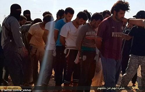 Khủng bố Nhà nước Hồi giáo lại tung ảnh thảm sát người hàng loạt 12