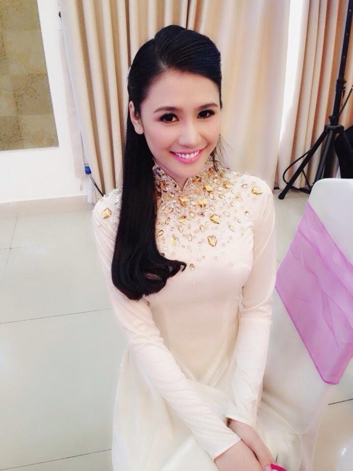 Hoa hậu người Việt thế giới 2014: Đẹp mê mẩn trong loạt ảnh đời thường 14