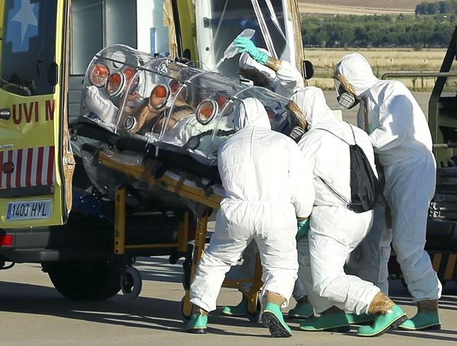 Linh mục người Tây Ban Nha nhiễm Ebola qua đời 4