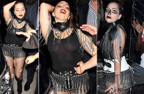 Lady Gaga diện tắt rách, mặc váy khung thép 8