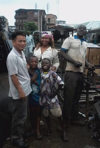 Thảm kịch tâm dịch Ebola qua lời kể người Việt 5