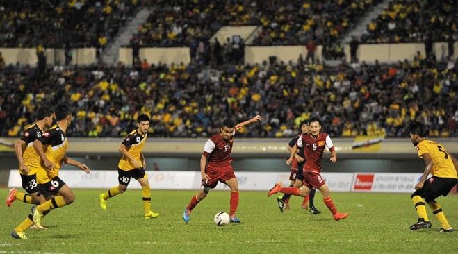 Màn trình diễn của U19 Việt Nam khiến khán giả Brunei thán phục 9