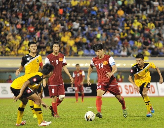 Màn trình diễn của U19 Việt Nam khiến khán giả Brunei thán phục 11