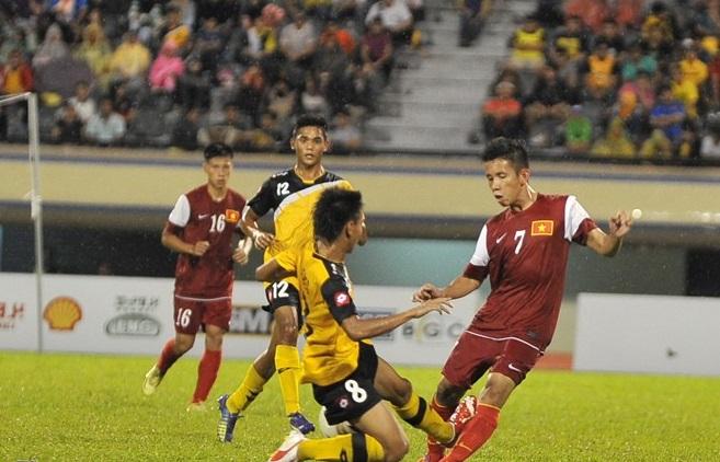 Màn trình diễn của U19 Việt Nam khiến khán giả Brunei thán phục 13