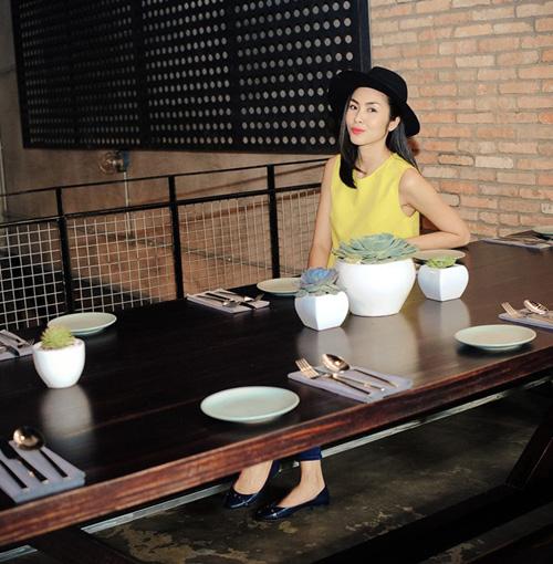 Vợ chồng Tăng Thanh Hà giản dị, thân thiện ngoài đời thường 15