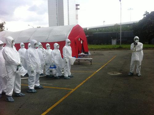 Kiểm soát Ebola tại TPHCM: 33 người phải khai báo y tế 7