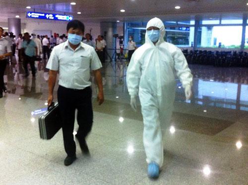 Kiểm soát Ebola tại TPHCM: 33 người phải khai báo y tế 10