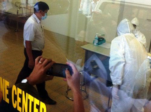 Kiểm soát Ebola tại TPHCM: 33 người phải khai báo y tế 11