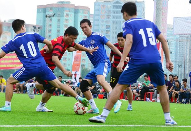 Bộ trưởng Thăng ghi bàn như cầu thủ chuyên nghiệp 15