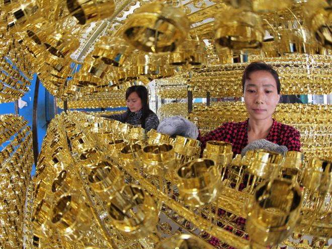 Đất nước nào tích trữ vàng nhiều nhất thế giới? 8