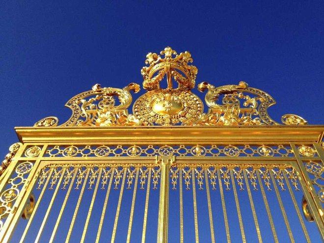 Đất nước nào tích trữ vàng nhiều nhất thế giới? 10