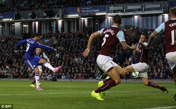 Burnley 1-3 Chelsea: The Blues khởi đầu với mưa bàn thắng 7