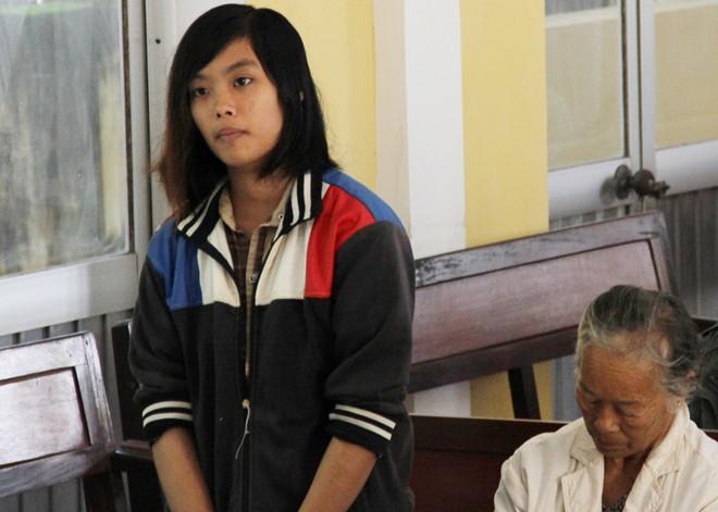 Hai thiếu nữ sống với nhau như vợ chồng trước khi gây án 7