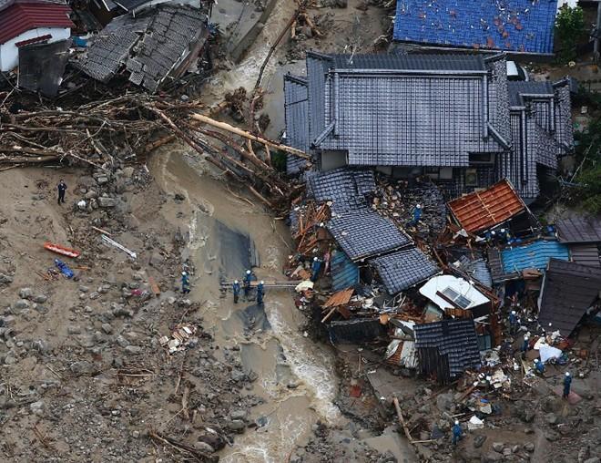 Lở đất tại Nhật Bản, ít nhất 27 người thiệt mạng 13