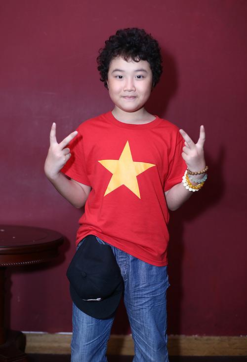 Lưu Hương Giang mặc sexy đi tập hát cùng trò cưng  11