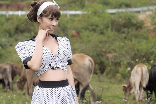 Đàn bò ngơ ngẩn trước sắc đẹp sexy của người đẹp Lê Kiều Như 9