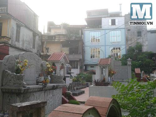 Cận cảnh nơi người sống ở cùng người chết giữa Hà Nội 6