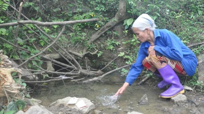Kỳ lạ mó nước chữa được bệnh ở xứ Mường 5