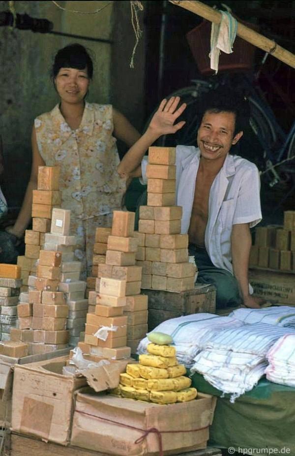 Ảnh độc về phố cổ Hà Nội những năm 1990 11