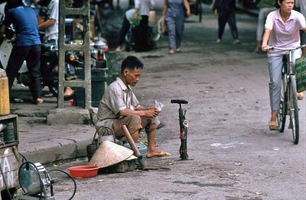 Ảnh độc về phố cổ Hà Nội những năm 1990 20