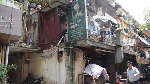 Hà Nội: Khẩn cấp di dời chung cư sắp sập 6