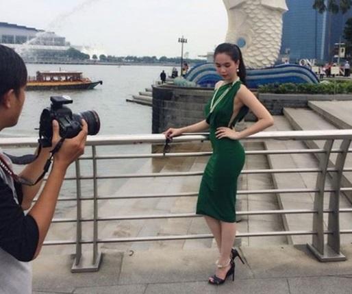 Ngọc Trinh quyến rũ, khoe dáng ngọc tại Singapore 13