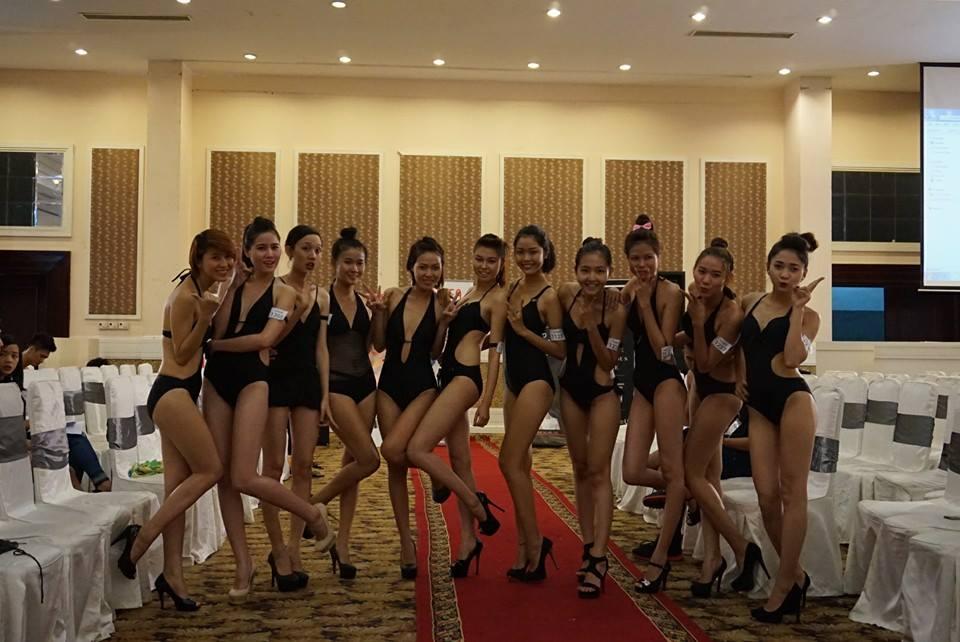 Vietnam's Next Top Model 2014: Bên trong phòng đo hình thể thí sinh 14