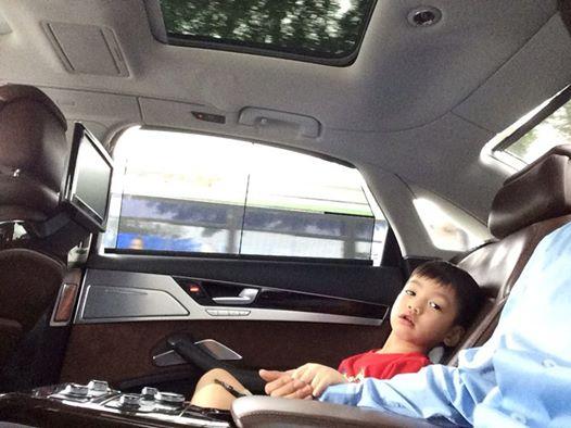 Cường đô la làm bố đảm đưa Subeo đi học bằng xe sang thay Hà Hồ 8