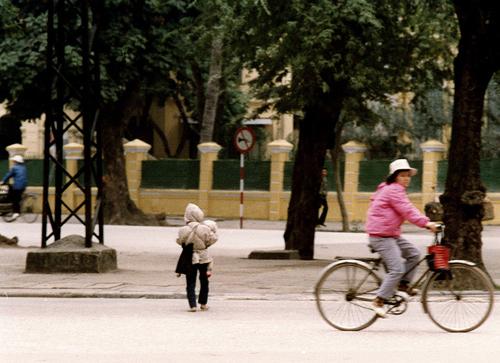 Bâng khuâng chùm ảnh Hà Nội đẹp thanh bình thập niên 90 22