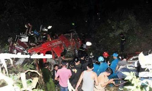 Phó thủ tướng yêu cầu làm rõ nguyên nhân xe khách lao xuống vực ở Sapa 4