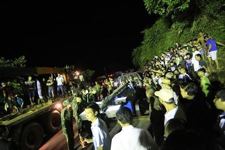 Xe khách rơi xuống vực ở SaPa: 53 người thương vong, tiếp tục tìm kiếm 5