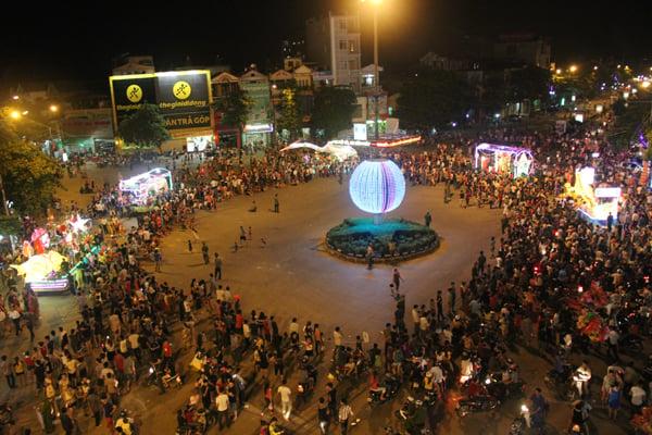 Chiêm ngưỡng lễ hội Trung thu lớn nhất Việt Nam 17