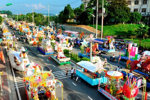 Chiêm ngưỡng lễ hội Trung thu lớn nhất Việt Nam 5