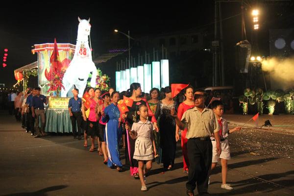 Chiêm ngưỡng lễ hội Trung thu lớn nhất Việt Nam 7