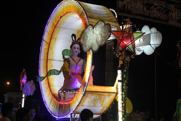 Chiêm ngưỡng lễ hội Trung thu lớn nhất Việt Nam 8